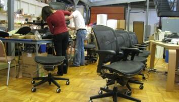 Sparer energi på å varme opp stolen i stedet for kontoret