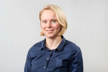 FFI-forsker Elisabeth Henie Madslien har vært med på skimarsj og undersøkt soldater i kaldt vær.  (Foto: FFI)