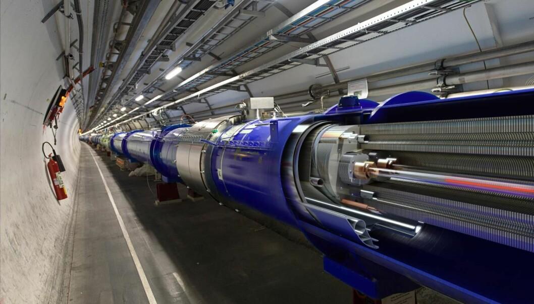 Partikkelakseleratoren ved Cern, Large Hadron Collider (LHC) har vært stengt for vedlikehold og oppgradering i nesten to år. Det er i praksis en helt ny maskin som snart starter opp igjen. (Foto: Daniel Dominguez, Cern)