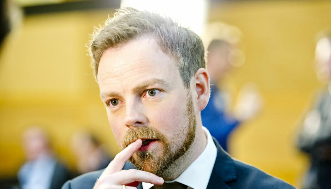 Kunnskapsminister Torbjørn Røe Isaksen vil knipe igjen pengesekken for de høyskolene og universitetene som ikke leverer resultater, mens de som gjør det bra, skal få desto mer. (Foto: Jon Olav Nesvold, NTB scanpix)