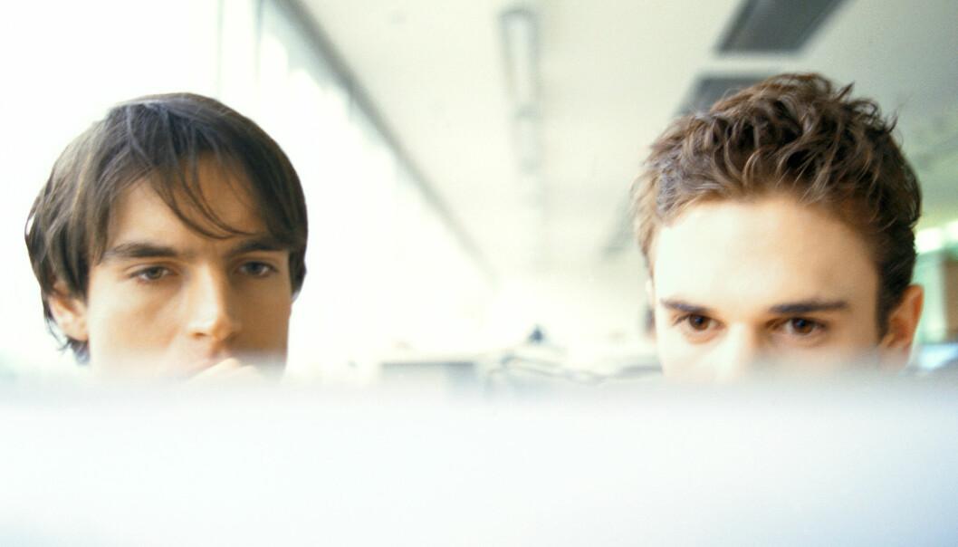 Avsløringene rundt Facebook-forskning i fjor sommer viste at hundretusener av Facebook-brukere var blitt forsket på uten at de visste det. Hva er så privat, og hva er offentlig? spør kronikkforfatterne. (Foto: Colourbox)