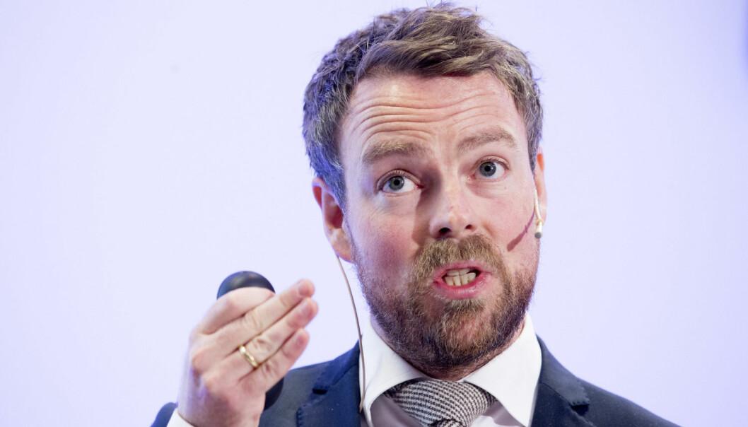 Strukturmeldingen er kommet. Kunnskapsminister Røe Isaksen opphever stansen i opprettelsen av nye universiteter, men vil stille strengere krav.  (Foto: Håkon Mosvold Larsen / NTB)