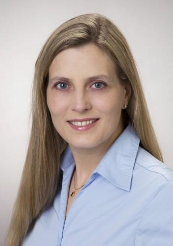 Liv Cecilie Vestrheim Thomsen ved Universitetet i Bergen har undersøkt sammenhengen mellom familietilhørighet, svangerskapsforgiftning og beslektede tilstander som kronisk høyt blodtrykk, hjerte-karsykdommer og luftveislidelser. (Foto: UiB)