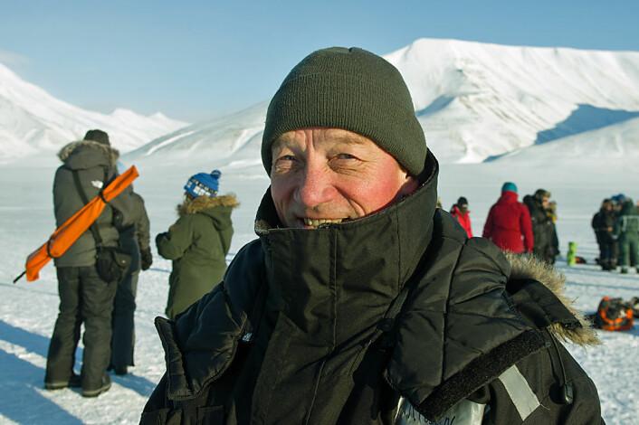 Eks-Unis-direktør Gunnar Sand booket rom på Svalbard til solformørkelsen som det siste han gjorde før han byttet jobb for over tre år siden. (Foto: Georg Mathisen)