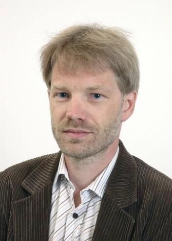 – Hovedproblemet i yrkesfag er en manglende kobling mellom teorien og yrkesfagenes praktiske tradisjoner, sier sosialantropolog Lars Gjelstad.  (Foto: privat)