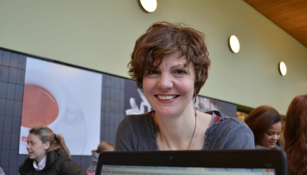 Professor Jill Walker Rettberg tenker for tiden mye på teknologisk determinisme, antakelsen om at teknologien styrer og former kulturen vår. (Foto: Gro Malnes Øvrebø, UiB)
