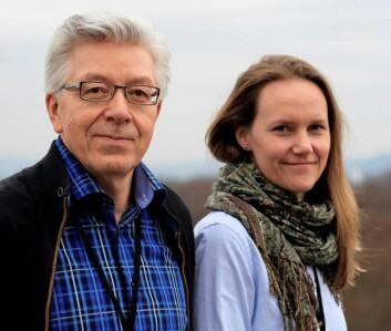 Skule Nilsen og Liv Arntzen Løchen har samlet inn data fra 166 energiselskaper i hele Norge. (Foto: NVE)