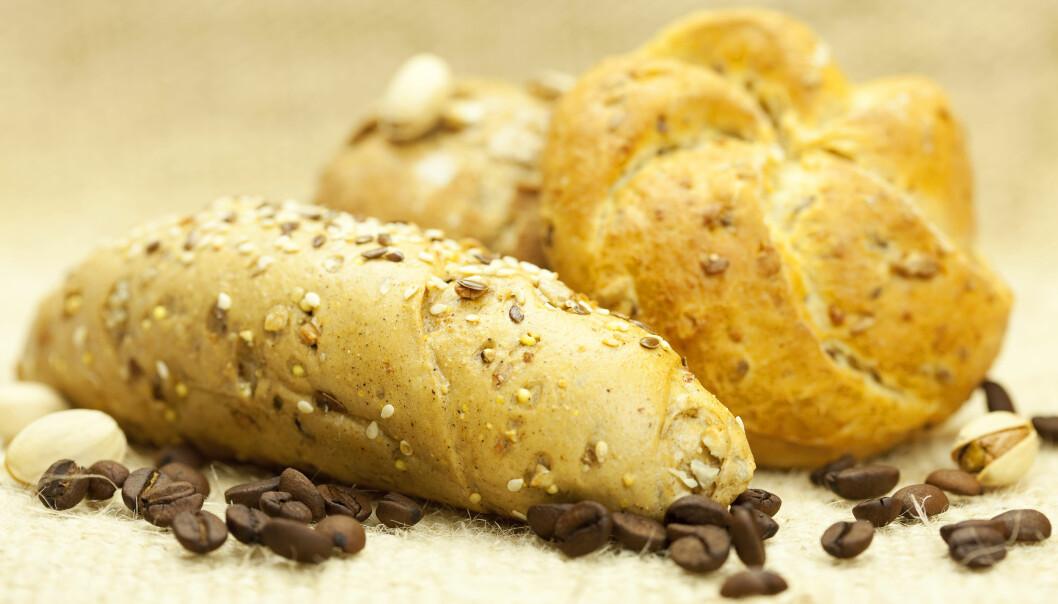 Matvarer som er stekt i over 120 grader, utvikler akrylamid, som også finnes i kaffe. Det kan være med på å øke effekten av andre kreftfremkallende stoffer.  (Foto: Colourbox)