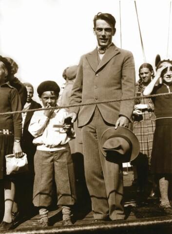 Ole Didrik Lærum og sønnen Birger ved avreise til Iran i 1933. (Foto: Privat)