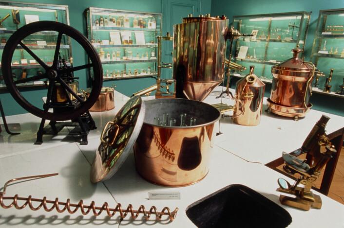 Dette rommet på Pasteur-museet inneholder over 1000 gjenstander, og Pasteur skal selv ha brukt dem alle i løpet av en lang og innholdsrik forskerkarriere. (Foto: Science Photo Library)