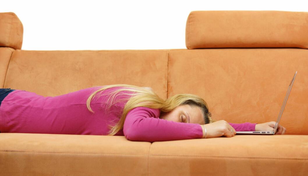 Mellom 10.000 og 15.000 nordmenn lider trolig av sykdommen som er kjent som kronisk utmattelsessyndrom (ME). En ny og omfattende studie mener lidelsen bør få nytt navn. (Illustrasjonsfoto: Microstock)