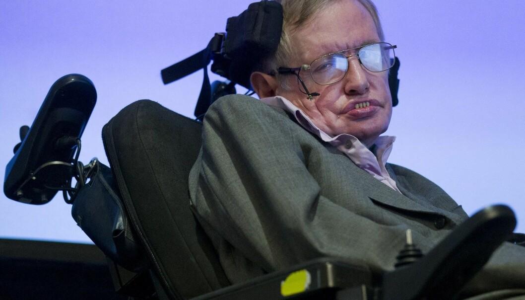 Stephen Hawking er an av flere fremtredende vitenskapsmenn som er bekymret for utviklingen innen for eksempel kunstig intelligens. (Foto: Afp/Scanpix)