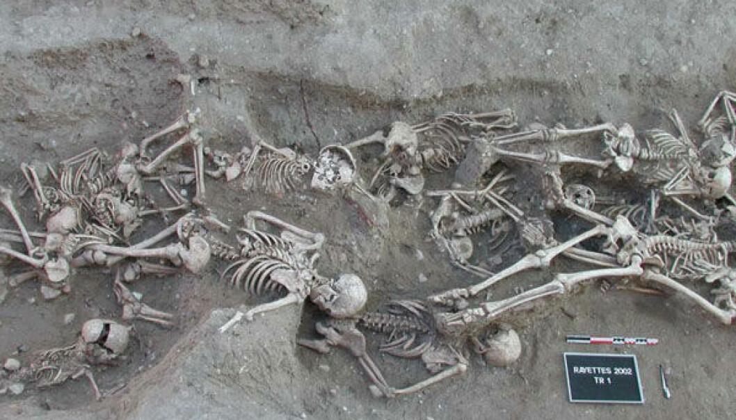 I århundrene etter Svartedauden kom stadig nye utbrudd av pest. Her er en massegrav med pestofre fra 1700-tallet avdekket i Martigues i Frankrike.  (Foto: S. Tzortzis, tilgjengeliggjort av Wikimedia Commons)