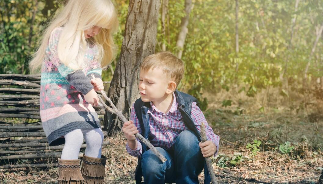 Fra barn er åtte måneder utvikler det seg en forskjell der gutter er mer aggressive enn jenter, uten at forskerne helt kan forklare hvorfor. (Illustrasjonsfoto: Colourbox)
