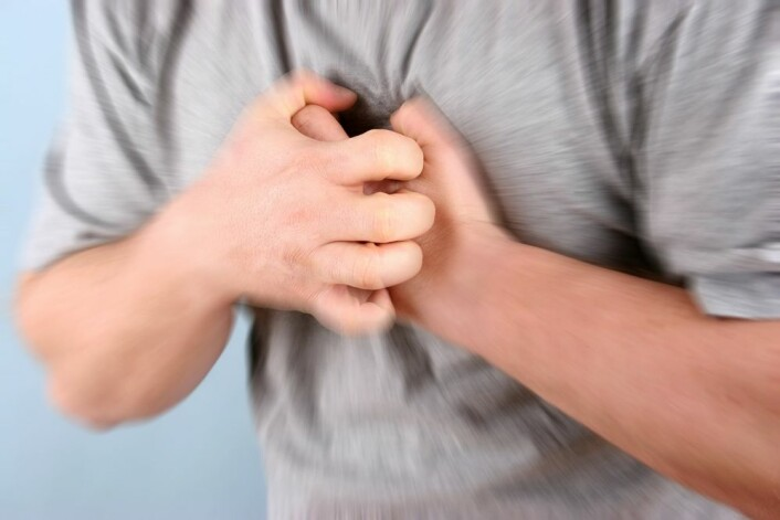 Sammenhengen mellom alkohol og redusert fare for hjerteinfarkt har vært kjent lenge. Først nå begynner forskerne å forstå hvorfor.  (Foto: NTB scanpix)