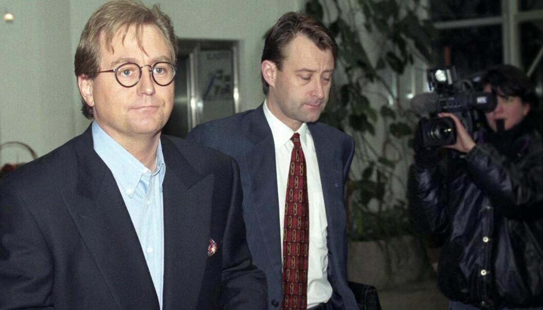 I 1996 kjøpte Kjell Inge Røkke og Bjørn Rune Gjelsten seg opp i det gamle industriselskapet Aker, til stor motstand fra en rekke næringslivsledere. Et godt norsk eksempel på såkalt aksjeaktivisme, ifølge BI-professor. Her er RGI-duoen fotografert før sitt første møte med toppledelsen i Aker 22. februar 1996, som RGI på dette tidspunktet hadde kjøpt 20 prosent av. (Foto: Scanpix, John Myhre)
