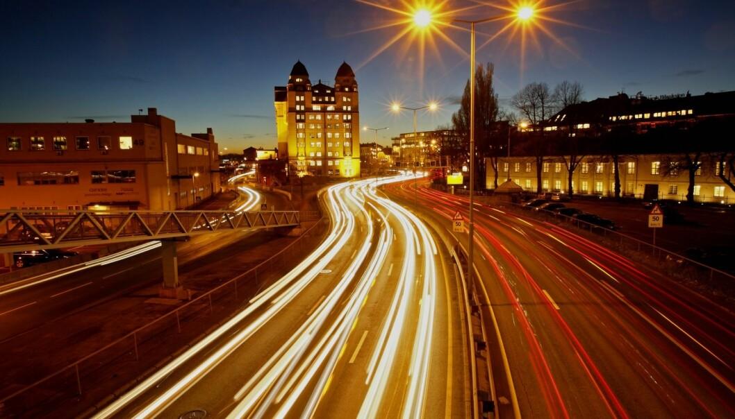– Det er svært lite norsk forskning på lysforurensning. Har vi oversett effekten av lysforurensning i en del forskning? spør NINA-forsker Arne Follestad. (Foto: Scanpix, Tom Schandy)