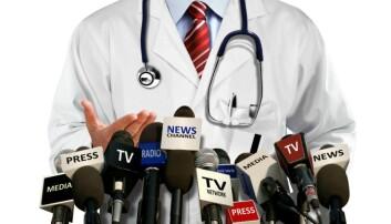 Det er bra at forskere bruker sin kompetanse på å gjøre verden bedre og menneskene sunnere. Men forskerne og institusjonene er ikke alltid uten egeninteresser. Det fordrer at media behandler forskerkilder like kritisk som andre kilder.  (Illustrasjonsfoto: Microstock)