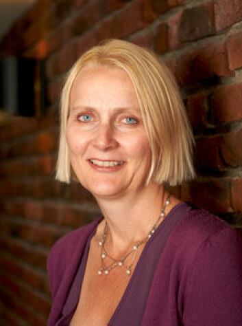Anniken Hagelund har sett på sykelønnsordningen i en omverden hvor velferdskutt er normalen. (Foto: ISF)