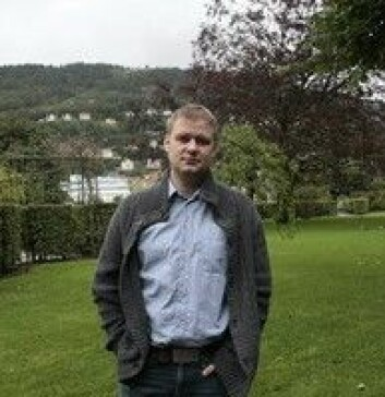 Bjarne Hansen er postdok ved UiB og psykolog i Helse Bergen og startet klinikk sammen med Gerd Kvale. (Foto: Hilde Kristin Strand)