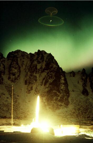Forskningsrakett skytes opp fra Andøya rakettskytefelt. (Foto: Terje Mortensen, NTB Scanpix)