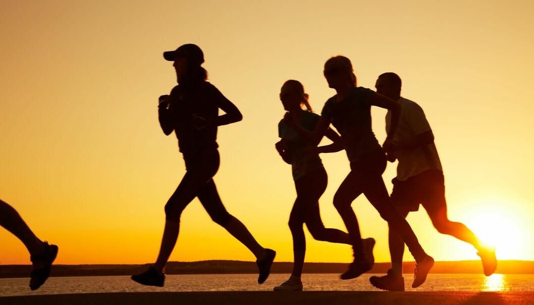 Ta det rolig og nyt løpeturen. Moderat løping er nemlig sunnere enn den mer intense varianten. Det viser ny dansk forskning.  (Foto: Colourbox)