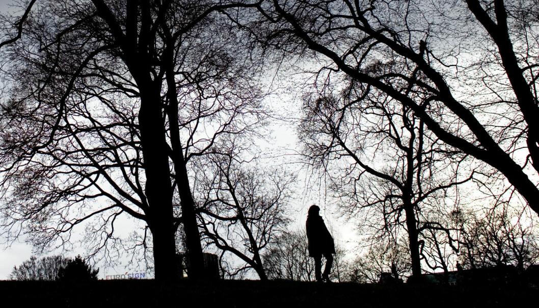 De vil gjerne dele tanker og følelser med noen, men flere av deltakerne i studien sier at de aldri hadde snakket med noen om selvmordsforsøket. Ikke med venner. Ikke med familie, fastlege eller andre. (Foto: Scanpix, Sara Johannessen)