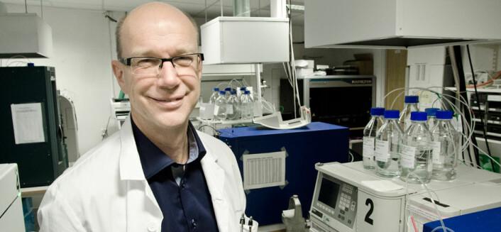 To forskningstanker i hodet: Anvendt forskning og grunnforskning er avhengige av hverandre, mener Jens Petter Berg ved Oslo universitetssykehus. Foto: Ram Gupta