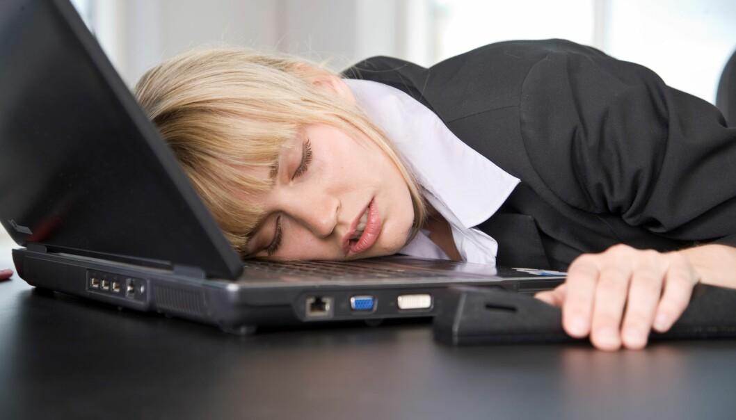 Sovner du over arbeidet om kvelden, er det kanskje et tegn på at jobben går ut over fritida. (Foto: Colourbox)