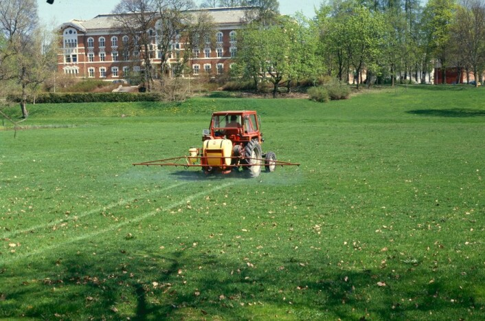 Kanskje vil traktoren bli erstattet med lette roboter i framtidas landbruk.  (Foto: Anton Hjeltnes, NMBU)