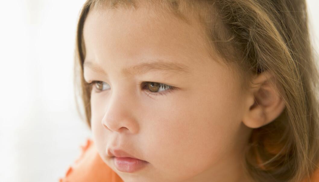 Barns hjerne kan ta skade av manglende omsorg tidlig i livet. (Illustrasjonsfoto: Colourbox)