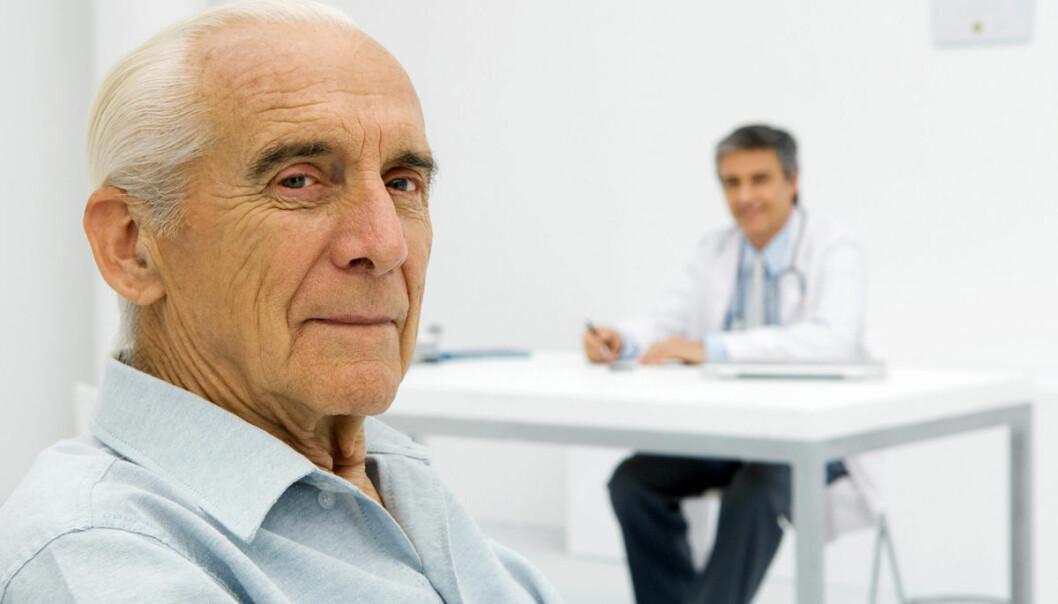 Britiske eldre bagatelliserte symptomene som kan tyde på kreft, eller ville ikke bry legen, viser ny undersøkelse. Norske eldre går raskere til legen, selv om noen studier tyder på at menn ennå er tilbakeholdne. (Illustrasjonsfoto: www.colourbox.no)