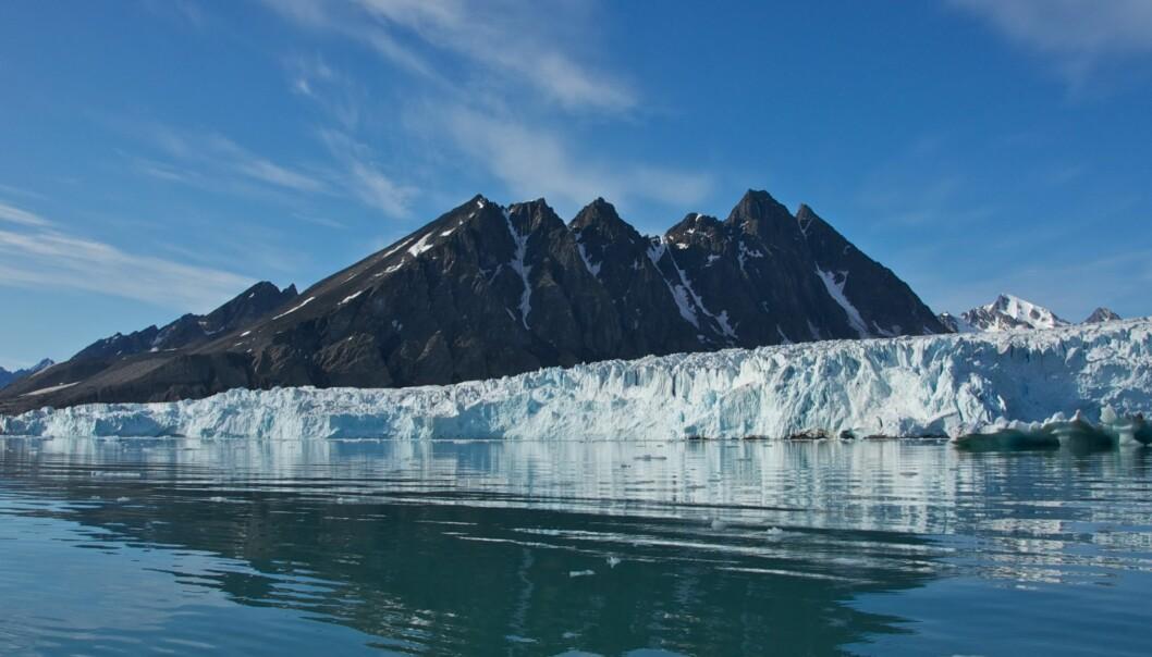 Siden årtusenskiftet har store deler av Barentshavet og Svalbards vestkyst vært isfrie vinterstid. (Foto: Microstock)