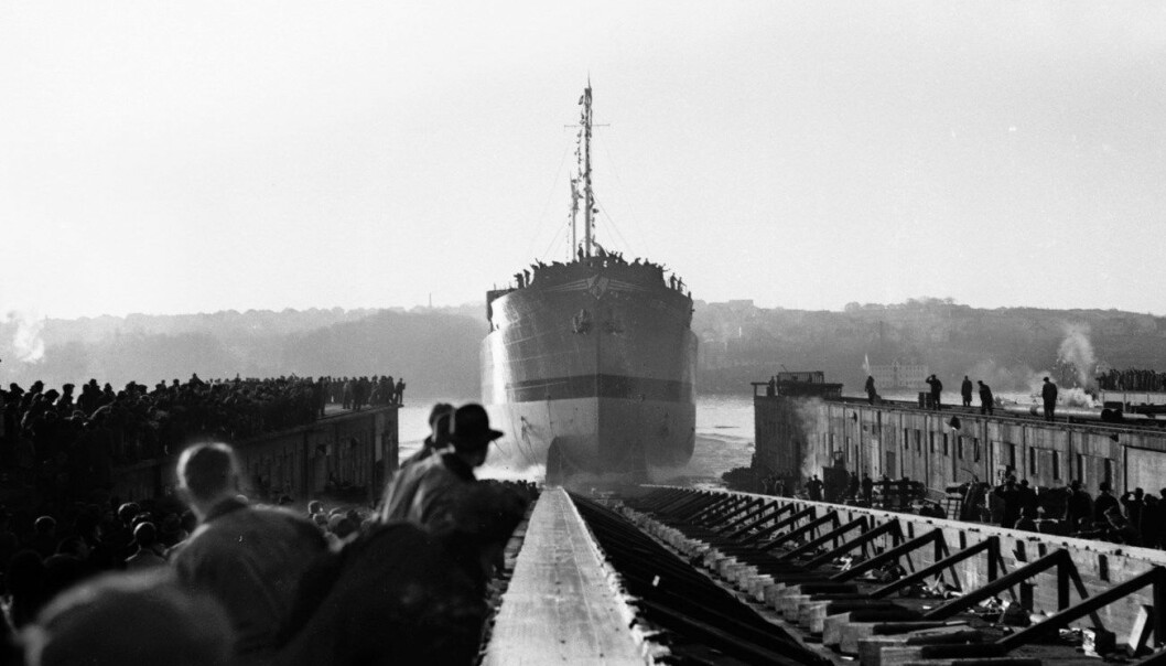 16 000 tonneren «Berge Bergesen» blir sjøsatt fra Rosenberg mekaniske verksted i Stavanger i 1951. (Foto: NTB Scanpix)