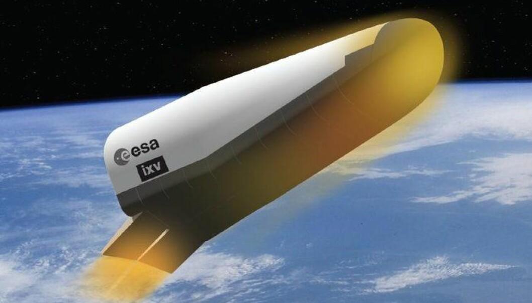 IXV, slik en kunstner har sett romflyet for seg på tilbaketuren gjennom atmosfæren. (Foto: ESA/J.Huart)