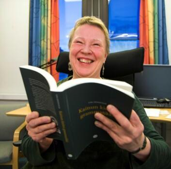 Den største utfordringen for Eira Söderholm i arbeidet med å skrive en kvensk grammatikkbok har vært ta kvensk er et muntlig språk med flere lokale variasjoner. (Foto: Stig Brøndbo)
