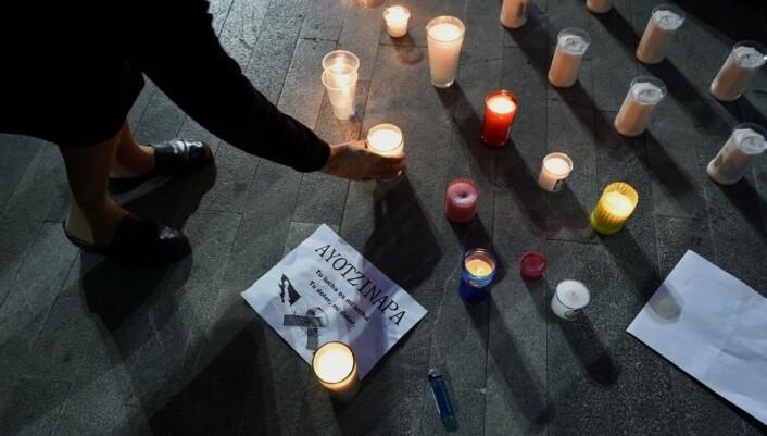 I Mexico City minnes 43 savnede studenter under en demonstrasjon. Lovløsheten og narkokrigene i Mexico har svært høye dødstall. Siden 2006 har mer enn 80 000 mennesker blitt drept og 22 000 er savnet i landet.   (Foto: Alfredo Estrella, Scanpix)