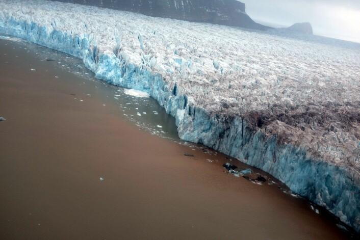 Kongsbreen fotografert i september 2014.  (Foto: Jack Kohler, Norsk Polarinstitutt)