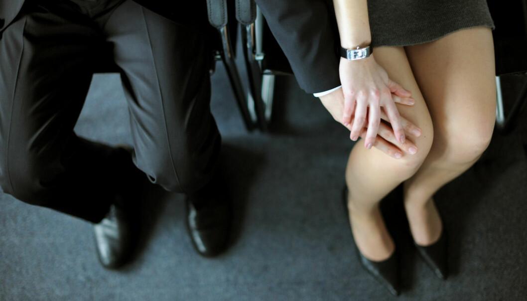 I en fersk studie fra Psykologisk institutt ved NTNU rapporterer kvinner at menn ofte feiltolker deres signaler på vennlighet som seksuell interesse. Menn, derimot, opplever at kvinner ofte feiltolker deres signaler på seksuell interesse som vennlighet.  (Foto: Scanpix, Frank May)