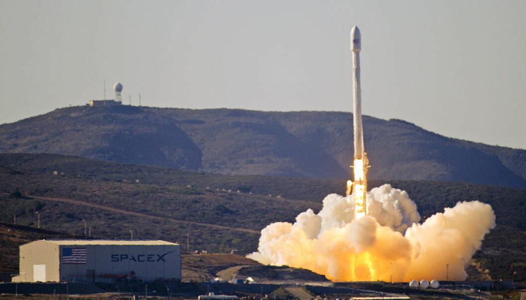 Første oppskytning av Falcon 9 i 2013. (Foto: SpaceX)