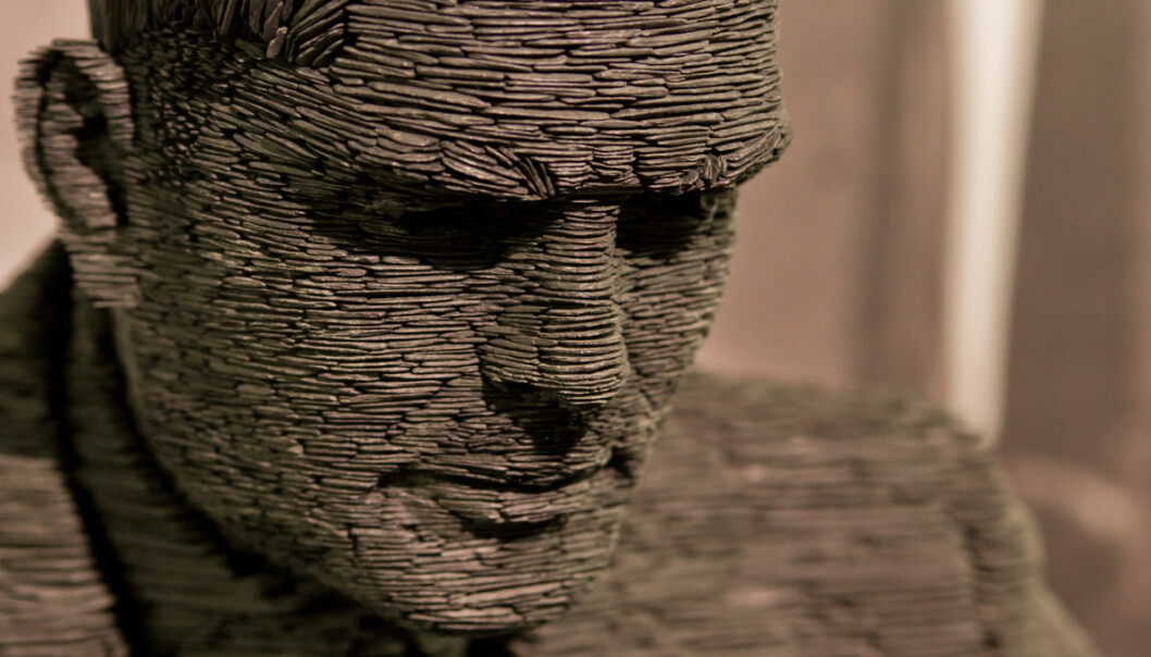 Statue av Alan Turing. (Ikke Alan Turing selv.) (Foto: Antoine Taveneaux, Creative Commons Attribution 3.0 Unported license)