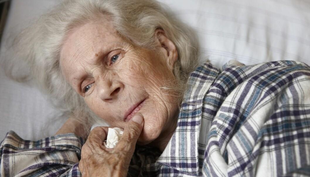 – Å forebygge at nedstemthet utvikler seg til en depresjon sparer både den gamle og samfunnet for store kostnader, påpeker førsteamanuensis Liv Halvorsrud. (Illustrasjonsfoto: Kerstin Mertens, Samfoto)