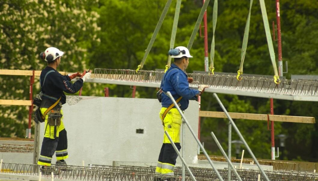 En av de tre typiske brukergruppen som forskerne identifiserer: Arbeidere, gjerne i dårlig regulerte jobber i bygg og anlegg, i fiskeindustrien, i transport eller i rengjøringsfirmaer. Det dreier seg ofte om små bedrifter i tøff konkurranse om oppdrag. Arbeiderne bruker amfetamin for å jobbe mer effektivt, ta på seg ekstra skift eller for å få oppdrag i havn i tide. (Foto: Scanpix, Jens Sølvberg)