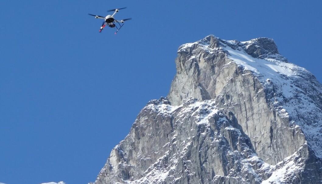 Kan droner for eksempel brukes til å oppdage jordbevegelser? (Foto: Torgeir Vaa, Statens Vegvesen)