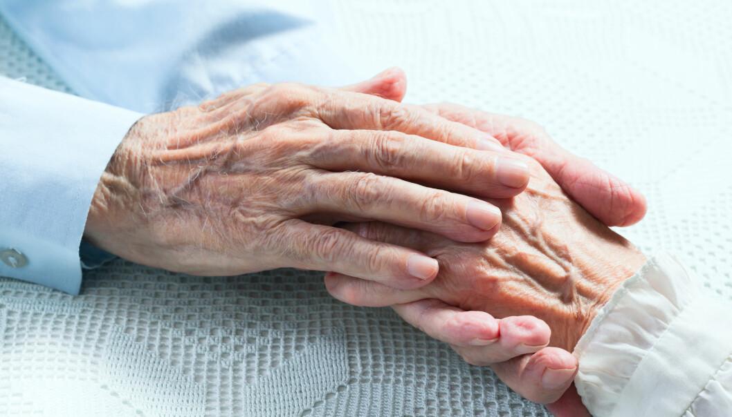 Folk lever lenger i dag enn før. I mange velstående land har levealderen de siste årene steget hos begge kjønn. Likevel er det fortsatt noen sykdommer og årsaker som øker dødsraten i verden.  (Illustrasjonsfoto: Colourbox)