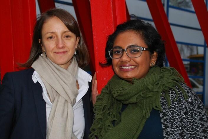 Nathalie Reuter og Sandhya Premnath Tiwari tilhører Computational Biology Unit ved UiB.  (Foto: Ingunn Halvorsen/UiB)