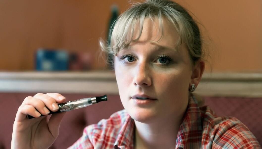 Røykeslutt framstår som hovedmotivasjonen for bruk av e-sigaretter. (Illustrasjonsfoto: Colourbox)