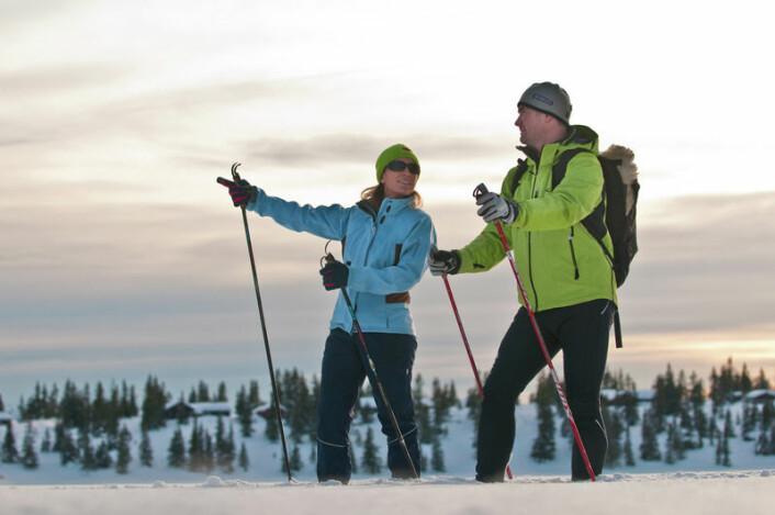 Det tradisjonelle friluftslivet lever videre, om enn i mer moderne klær. Mange går fortsatt på ski, slik nordmenn gjorde før.  (Foto: Terje Rakke/Nordic life - Visitnorway.com)