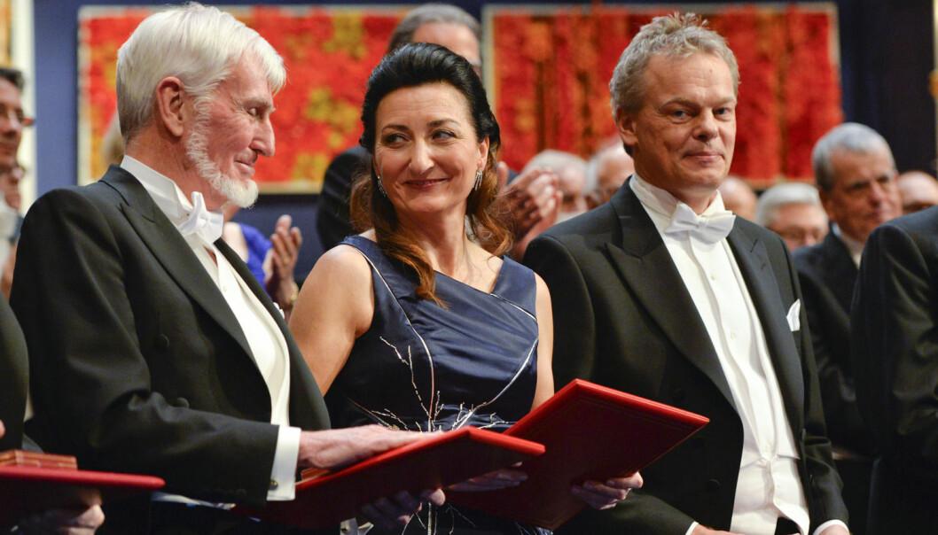May-Britt Moser og Edvard Moser mottok nobelprisen sammen med britiske John O'Keefe  i Stockholm onsdag denne uken.  (Foto: Anders Wiklund/TT News Agency/Reuters)