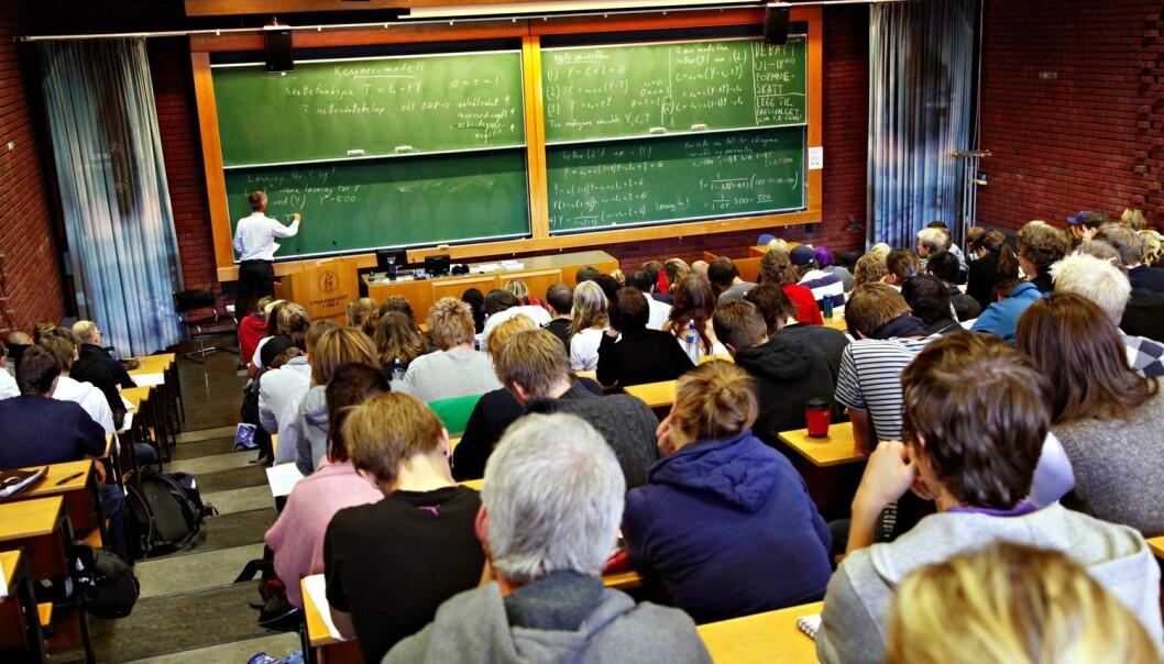 Færre studenter stryker hvis de aktiveres i timene i stedet for bare å lytte til læreren.  (Foto: Ingar Storfjell/Aftenposten)